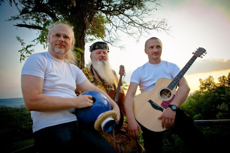 Ethno-trio TROITSA