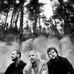 Port Mone Trio