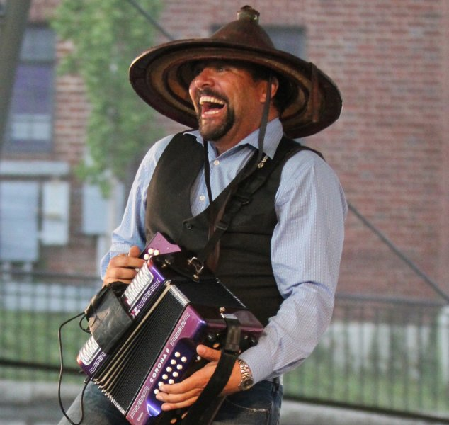 Terrance Simien And The Zydeco Experience