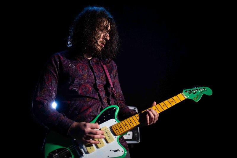 Flows studio session - guitarist by Flows