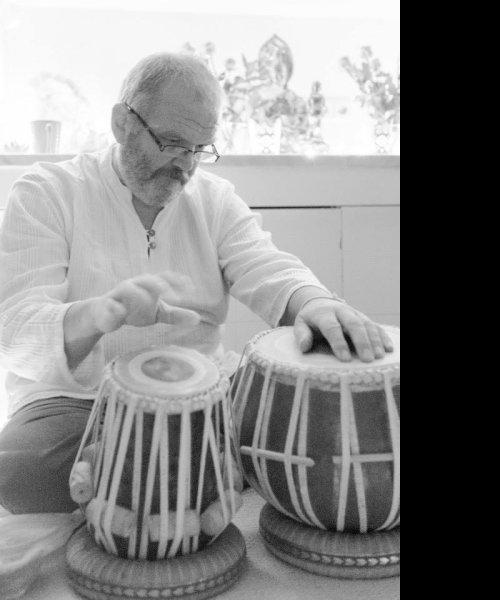 Steingrimur playing Tabla by Tala Trio