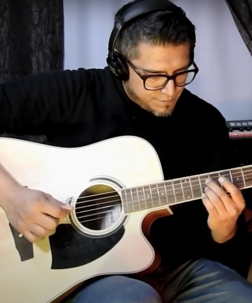 Recording acoustic guitars by Matus Can