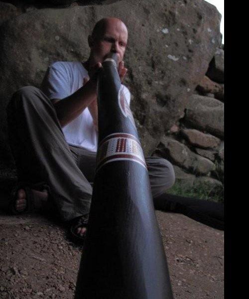 Ruff didj solo in West Kennet Long Barrow 01 by Ruff Libner - Travelling Didjeridoo