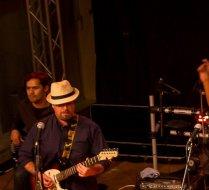 Kilindu on stage