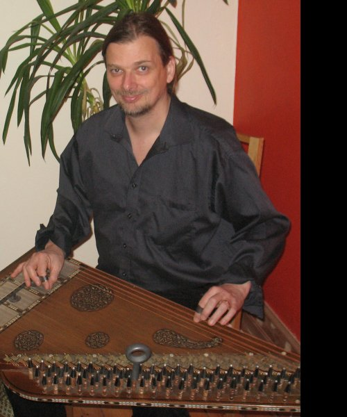 LB Khaled playing Qanun by Oriental Mood