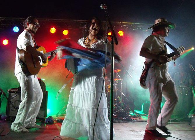 Ají Pa\' Ti on stage @ Galstolatino by Ají Pa' Ti