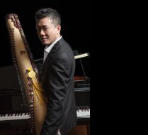 Tri Nguyen with dan tranh and piano