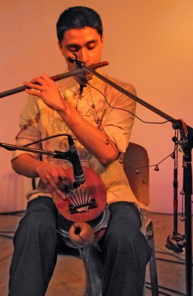 One-man band / multi-instrumentalist Bulat Gafarov - \