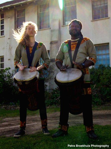 Wamila Band on djembes