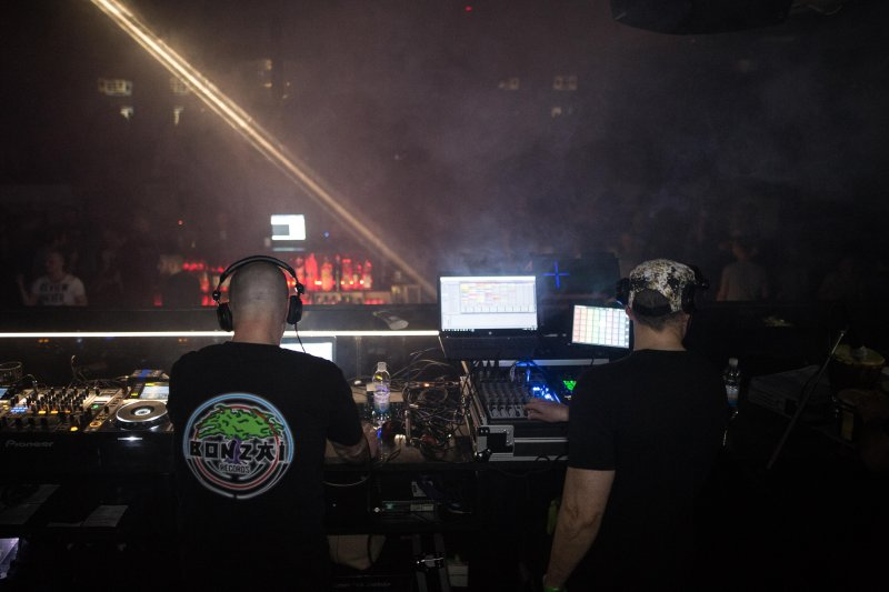 Sven Gleđa & Ivo Montina  -Cortex Thrill-live
