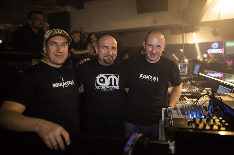 Sven Gleđa,Gigi & Ivo T. Montina -CORTEX THRILL