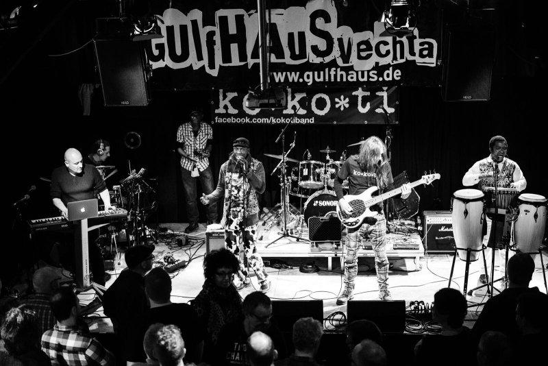 ko*ko*ti  live performance
