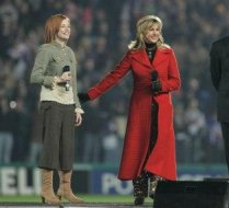 Performing alongside Lesley Garrett