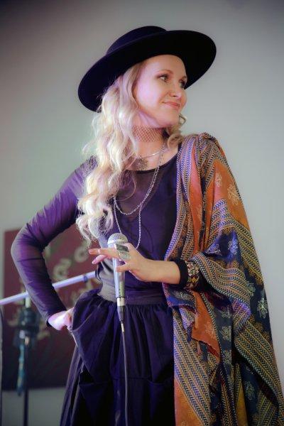 Juliana Polanskaya World music singer Los Angeles, CA