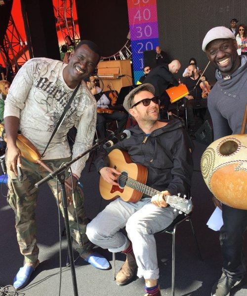 Bassekou Kouyaté, Damon Albarn and Seckou Keita (Africa Express - The Orchestra of Syrian Musicians tour 2015)