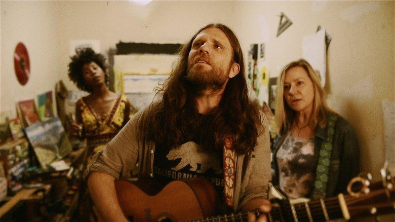 Ezra, Lori Martin (Bass/Vocal), Kimberley Nicole - Complicated Man Shoot